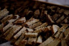 Stukken van brood Stock Afbeeldingen