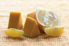 Stukken van de pompoen en de sinaasappel Royalty-vrije Stock Foto's