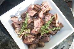 Stukken van gedobbeld, gebraden Amerikaanse elandenvlees Royalty-vrije Stock Foto's