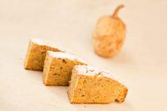 Stukken van pastei en een pompoen Royalty-vrije Stock Foto