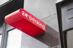24 Stunden Zeichen ein Bankkonto habend Lizenzfreie Stockfotos