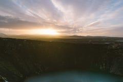 Stunning Iceland krajobrazu fotografia Obrazek vulcano Kerid z zmierzchem Od Lodowatych fjords śnieżne góry zamrażać laguny Zdjęcie Stock