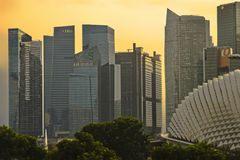 Stunning and impressive cityscape on sunset with Singapore CBD C Stock Photos
