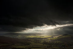 Stunning sun beams over Big Moor in Peak District National Park Stock Photography