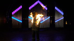 Stuntman är uppsättningen på brand lager videofilmer