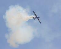 Stuntvliegtuig die bij 2015 MCB Airshow presteren Stock Afbeeldingen