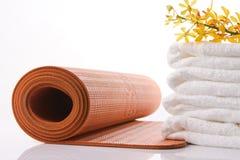 Stuoia arancione di yoga Immagini Stock