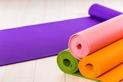 Stuoia di yoga immagini stock libere da diritti