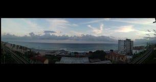 Stupéfier de ciel de mer d'horizon beau image stock
