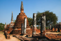 stupa菩萨和天空 免版税库存图片