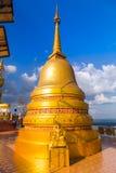 Stupa菩萨在Wat Tham Sua, Krabi,泰国 免版税库存照片