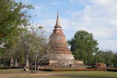 Stupa är en forntida buddistisk tempel Wat Chana Songkram Sukhothai Thailand Arkivbild
