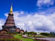 Stupa και κήπος στην κορυφή Doi Inthanon, Ταϊλάνδη Στοκ Εικόνες