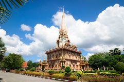 Stupa виска Wat Chalong Phra Mahathat буддийского, Пхукета стоковые изображения rf