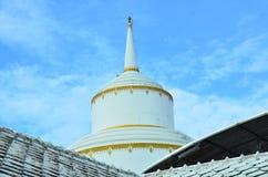 Stupa на виске Phraya Suren Стоковые Изображения