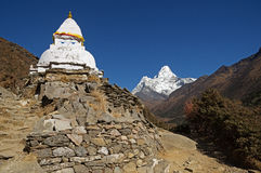 Stupa And Ama Dablam Royalty Free Stock Photos