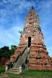 Stupa antico Buddha Wat Mahathat in Tailandia immagine stock