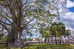 Stupa in Anuradhapura, Sri Lanka di Ruwanwelisaya Fotografie Stock Libere da Diritti