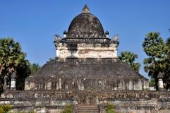 Stupa av den stora lotusblomman Royaltyfria Foton