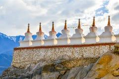 Stupa blanco budista Foto de archivo libre de regalías