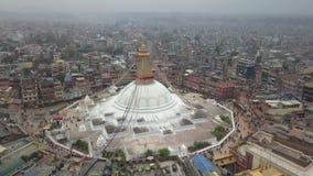 Stupa Bodhnath加德满都,尼泊尔4K录影平的外形Cinelike 股票录像