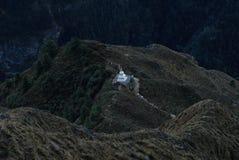 Stupa bouddhiste dans le support du Népal Image libre de droits