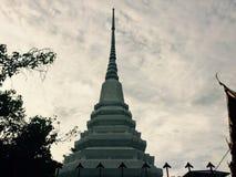 Stupa branco banguecoque tailândia fotos de stock