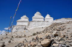 Stupa buddista bianco Fotografia Stock