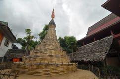 Stupa buddista fatto di bambù - tempio in Tailandia Fotografia Stock Libera da Diritti