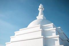 Stupa budista branco em Baikal Fotos de Stock