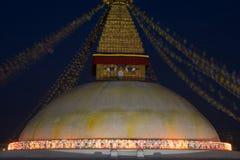 Stupa budista com iluminação Fotos de Stock Royalty Free