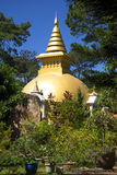 Stupa budista en el monasterio Dienbien Vietnam Foto de archivo