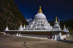 Stupa Chorten Kora, район Trashiyangtse, восточный Бутан стоковые фотографии rf