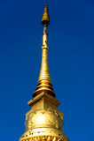 Stupa d'or en Wat Nan, Thaïlande Image libre de droits