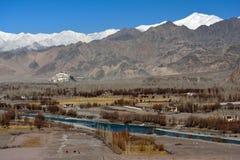 Stupa dans le palais de Shey, Leh, Ladakh Photographie stock