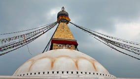 Stupa de Bodhnath com bandeiras da oração filme