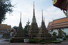 Stupa de mármol colorido en pho del wat fotografía de archivo
