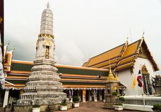 Stupa de mármol en templo real del pho del wat imagenes de archivo