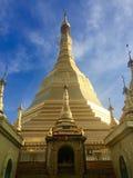 Stupa de oro Foto de archivo libre de regalías