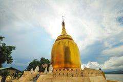 Stupa de oro de la pagoda de Paya de los BU Foto de archivo libre de regalías