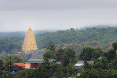 stupa del Bodhgaya-estilo en el templo de Wangvivagegaram Fotos de archivo