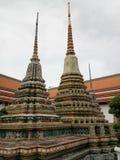 Stupa do mosaico em Wat Pho, templo em Tailândia fotografia de stock