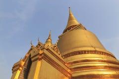 Stupa do ouro Imagem de Stock Royalty Free