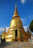 Stupa dorato al kaew di phra del wat Immagini Stock Libere da Diritti