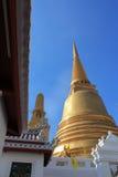 Stupa dourado Imagens de Stock