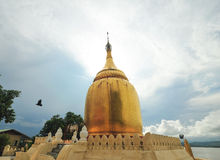 Stupa dourado do pagode de Paya dos Bu Foto de Stock Royalty Free