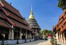 Stupa dourado no lumpang Foto de Stock Royalty Free