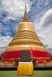 Stupa du bâti d'or image libre de droits