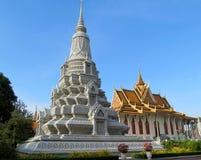 Stupa em um templo budista em Camboja fotos de stock