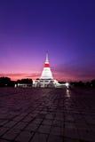 Stupa en crepúsculo Fotografía de archivo libre de regalías